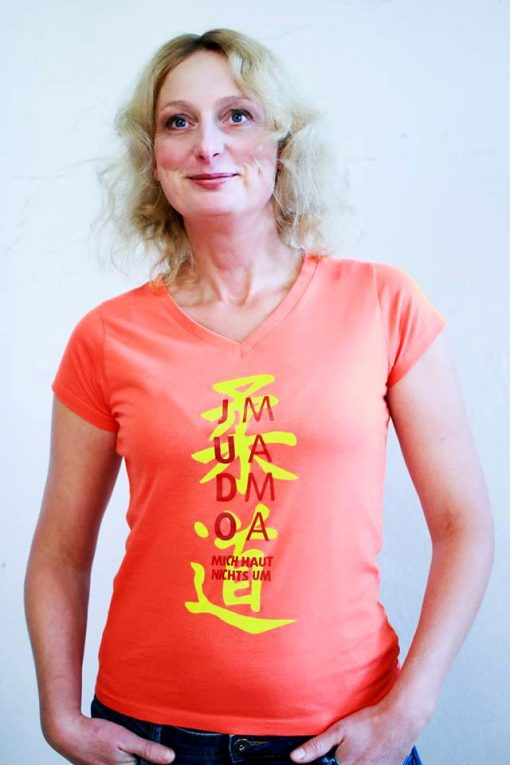 """T-Shirt """"JUDO-MAMA"""" in Coral"""